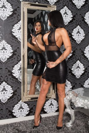 Carmelle escort girl and nuru massage