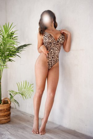 Berthina tantra massage & escort girl