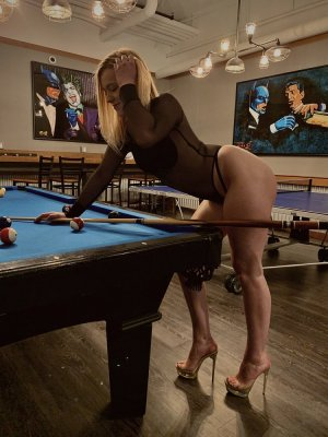 Evangelina tantra massage in Laguna Hills & call girl