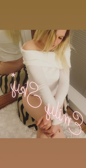 Ildiko escort girl and thai massage